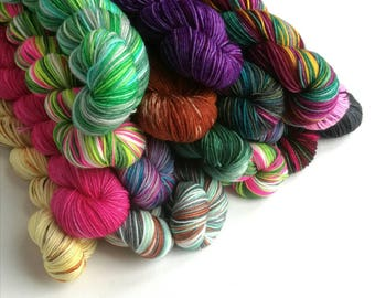 Hand dyed yarn, superwash merino/nylon sock yarn wool, 50g/212m, variegated, semi-solid, speckles, indie dyed yarn, sock knitting wool.
