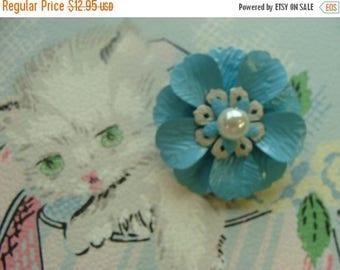 ONSALE Gorgeous Vintage  Flower Brooch
