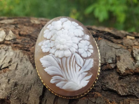 Large vintage mid century 14k gold high relief Italian flower bouquet shell cameo brooch pin pendant