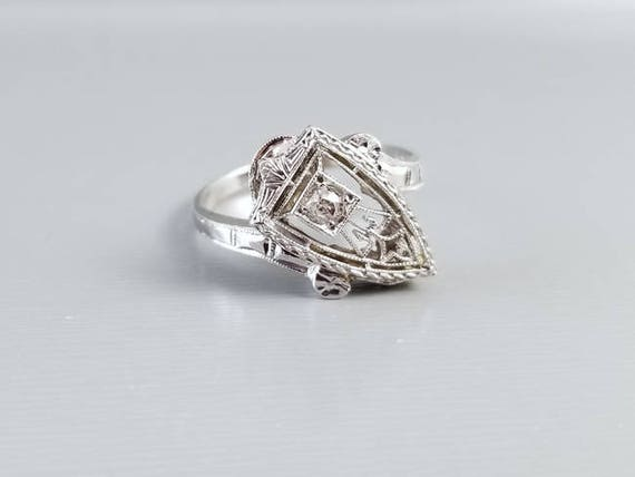 Antique Art Deco 1920s 14k white gold European cut diamond filigree asymmetrical shield shaped bypass style ring, size 6-3/4