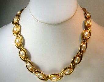 NAPIER Pearl Necklace, Signed Gold and Pearl Linked Circlet, Timeless Collar, 1970s, Very Classic Link, Unused,