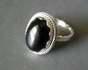 Black Onyx Ring, Size 7 1/2, Hand Forged Sterling Silver, Smooth Oval Cabochon, Stamped 925, Bright Silver, Black Gemstone