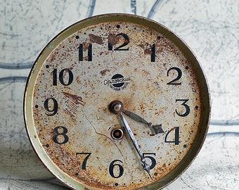 antique clock c. 1950, clock movement, steampunk, watch parts, Home decor, collectibles, Photo PROP, coolvintage, metal, patina, rust,UA