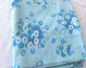 Twin Flat Sheet Blue Daisies by Pacific Miracale