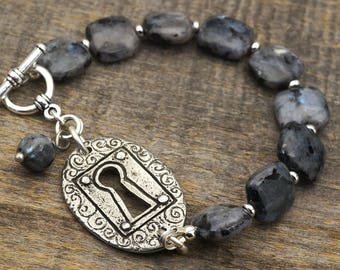 Keyhole bracelet, black and grey Norwegian moonstone semiprecious stone, silver color, 7 3/4 inches long