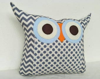 Home decor/plush owl pillow/Grey blue/dots /chevron and dots Owl Pillow/for him/baby soft toys/