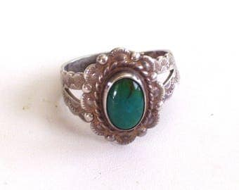 Vintage Sterling Silver and Turquoise Ring, Vintage Southwestern Ring, Vintage Turquoise Ring, Vintage Sterling Ring Adjustable Size 5 to 9