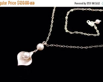 ON SALE Bridesmaid Jewelry Set of 6 Small Silver Calla Lily Wedding Necklaces