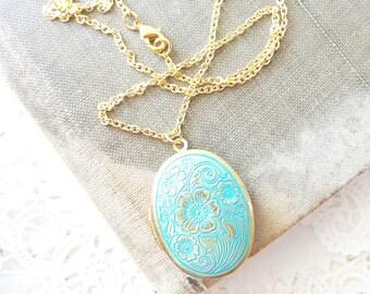 Aqua Locket Necklace - Vintage Floral Locket - Blue Turquoise Patina Locket - Oval Vintage Locket - Oval Photo Locket - Aqua Patina Locket