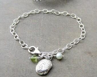 VACATION SALE Silver Charm Bracelet, Tiny Locket Charm, Sterling Silver Bracelet, Vintage Round Locket, Silver Chain Bracelet, Silver Photo
