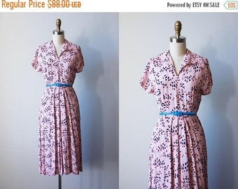ON SALE 1940s Dress - Vintage 40s Dress - Pink Navy Blue Rayon Abstract Flower Burst Print Day Dress S M - Daisy Bloom Dress