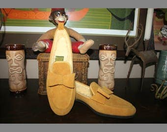 Vintage Daniel Green Slippers in Palomino Suede with Shearling Interiors and Bow Accents. 7AA