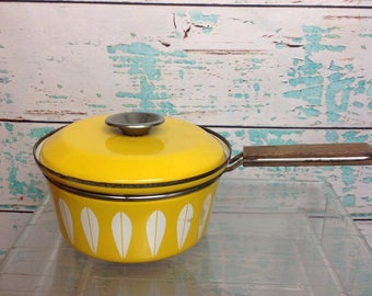 Vintage Cathrineholm Lotus Bright Yellow Small Saucepan Cooking Pot With Lid wood handle Mid Century Modern Chef Kitchen Vtg