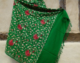 "Pashmina. Rich Emerald Green shawl/stole. Embroidered in Pink. Pure  wool . 84 x 40"". 213 x 98 cm"