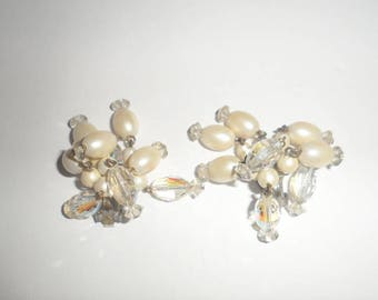 Vintage Laguna Beaded Cluster Dangle Clip On Earrings
