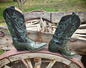 1970s well-worn Larry Mahan green Teju Lizard cowboy boots Women's size 7 N (fits up to 7.5)
