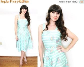 ON SALE 70s Dress / 1970s Dress / 70s Seafoam Floral Print Sundress