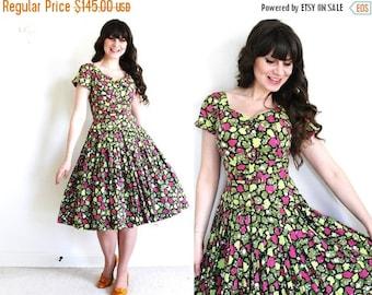 ON SALE 50s Dress / 1950s Dress / 50s Garden Party Full Skirt Dress