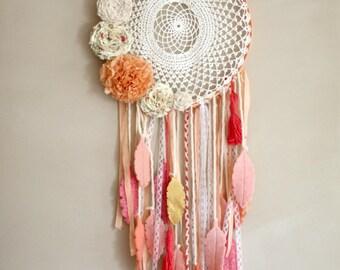 capteur de reves sur mesure , custom boho dream catcher, wool feathers,vinatge doily, tassels, ribbons,lace,fabric flowers, wall hanging