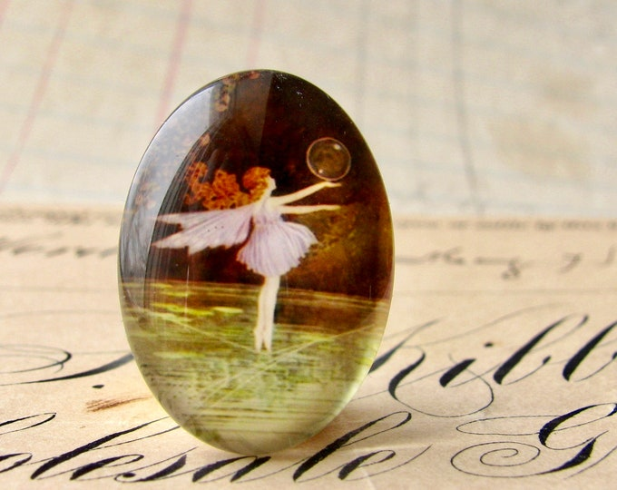 Fairy frolic, handmade glass oval cabochon, 25x18mm, fairy bubble, children's illustration, photo glass cabochon, 25mm 18mm 18x25mm oval