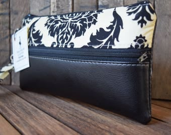 This is a special order for ... KAYLA ... 3 Bridesmaids Wristlets