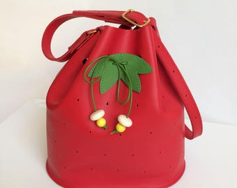 La Lisette Strawberry Leather bucket bag fruit bag red leather bucketbag