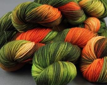 Hand-dyed superwash ethical merino 4 ply/sock weight yarn 'Aurora' 100g