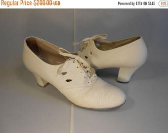 BI-ANNUAL SALE Join the Men Become a Nurse - Ww2 1940s Ivory Leather Lace Up Oxfords Shoes - 7.5 Narrow