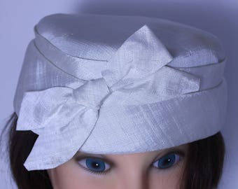 Vintage 1950s pill box hat, off white/cream, wedding hat