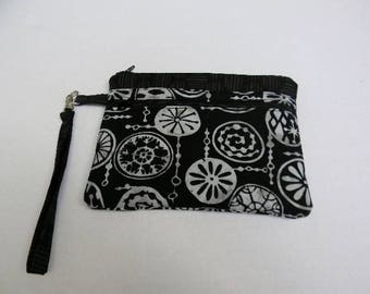Black and White Batik Wristlet with Detachable Handle