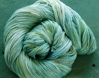 SPECKLED Frog ~ ICE FLOWERS ~ Colours By Nature ~ Yak and Silk Yarn plant dyed hand dyed