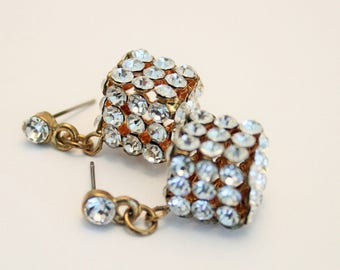 Vintage crystal earrings.  Cube crystal earrings. Vintage wedding earrings. Vintage jewellery
