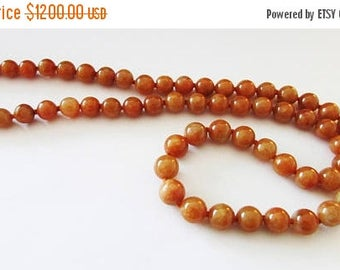 """On Sale Vintage Estate Mings of Honolulu 14K Gold Clasp Graduated Hand Knotted 22""""  Translucent Red Brown Jade Bead Necklace"""