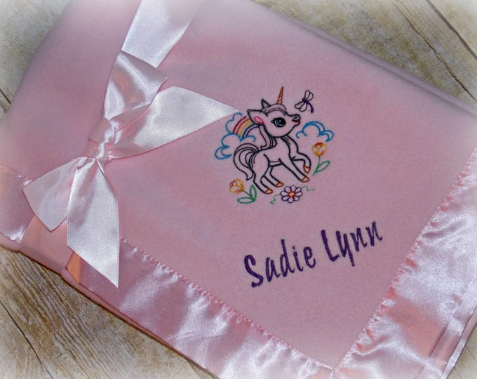 Unicorn baby blanket - Unicorn baby girl gift - Unicorn embroider blanket - Personalized baby gift - Unicorn fleece blanket - Rainbow girl