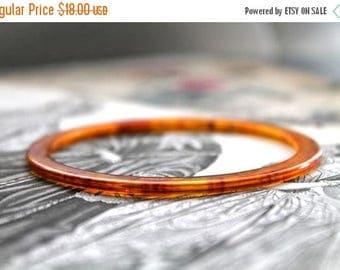 20% off SALE vintage 1940s bakelite bracelet - HONEY faux tortoise shell spacer bangle