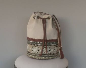 BUCKET BAG : Cream Canvas and Leather
