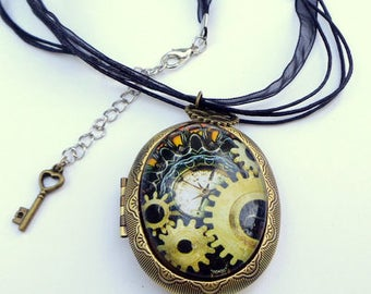 Large Steampunk Locket Necklace, Gothic Style, Classic Pendent, Glass Capped Photo of Watch Parts, Gears, Antiqued Gold Tone Locket