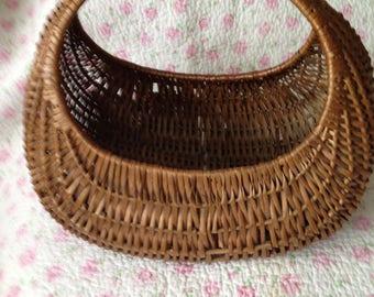 Vintage 1960's Gondola Wicker Basket