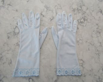 """VINTAGE 1950's HANSEN Embroidered Scalloped Ice Blue Wrist Length 10"""" Gloves--Size 7---Glove Auction #1254"""