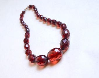 1930s Ruby red prystal Bakelite faceted bead necklace / 30s carved bead clear Catalin dark red necklace