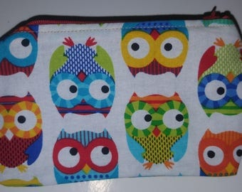 Zippered pouch with owl pattern 14 x 9 cm