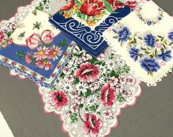 Lot of 4 Printed Hankies Blue Red Pink White Theme Roses Tulips Carnations Cotton Scalloped Edge Lace Excellent Condition