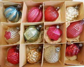 12 Antique Feather Tree Mercury Glass Germany Christmas Tree Ornaments in Original Box    OAZ25