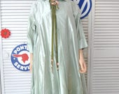 Women's Vintage 50's 60's Car Coat Shimmery Mint Green Pure Silk Medium-Large Private Eye Lightweight Costume Outerwear Long Jacket A-line