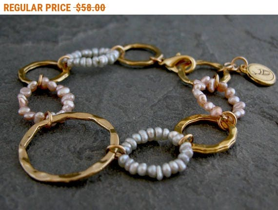 SALE - Women's Gift, Womens pearls Bead Bracelet ,Gold Pearls Bracelet Large Links Bracelet , Gold Hoops Bracelet with grey and pink
