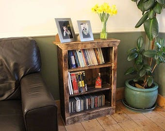 Rustic Bookcase Made With Pallet Wood