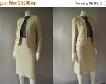 ON SALE Chanel Style Suit -1960s Cream Boucle Wool Skirt Suit - Cropped Jacket Pencil Skirt - Jackie O Style - Wedding Suit