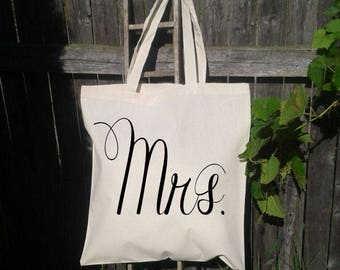 Bride to Be gift, Mrs Tote Bag, Gift for Her, Bride Tote Bag, Personalized tote bag for Bride, Bachelorette Party Gift ideas