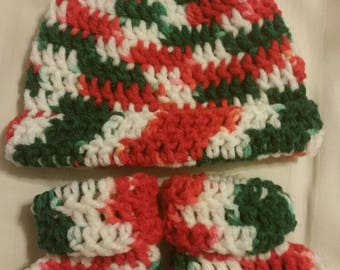 Adorable RTS 0-3 months Christmas Hat and Booties Set Toque Slippers Newborn Photo Prop Holidays Noel Old Fashioned Traditional Colors Baby