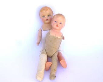 SHABBY ANTIQUE DOLLS/ Doll Displays/ Doll Mixed Media